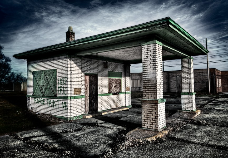 Abandoned Gas Station - Saginaw, Michigan