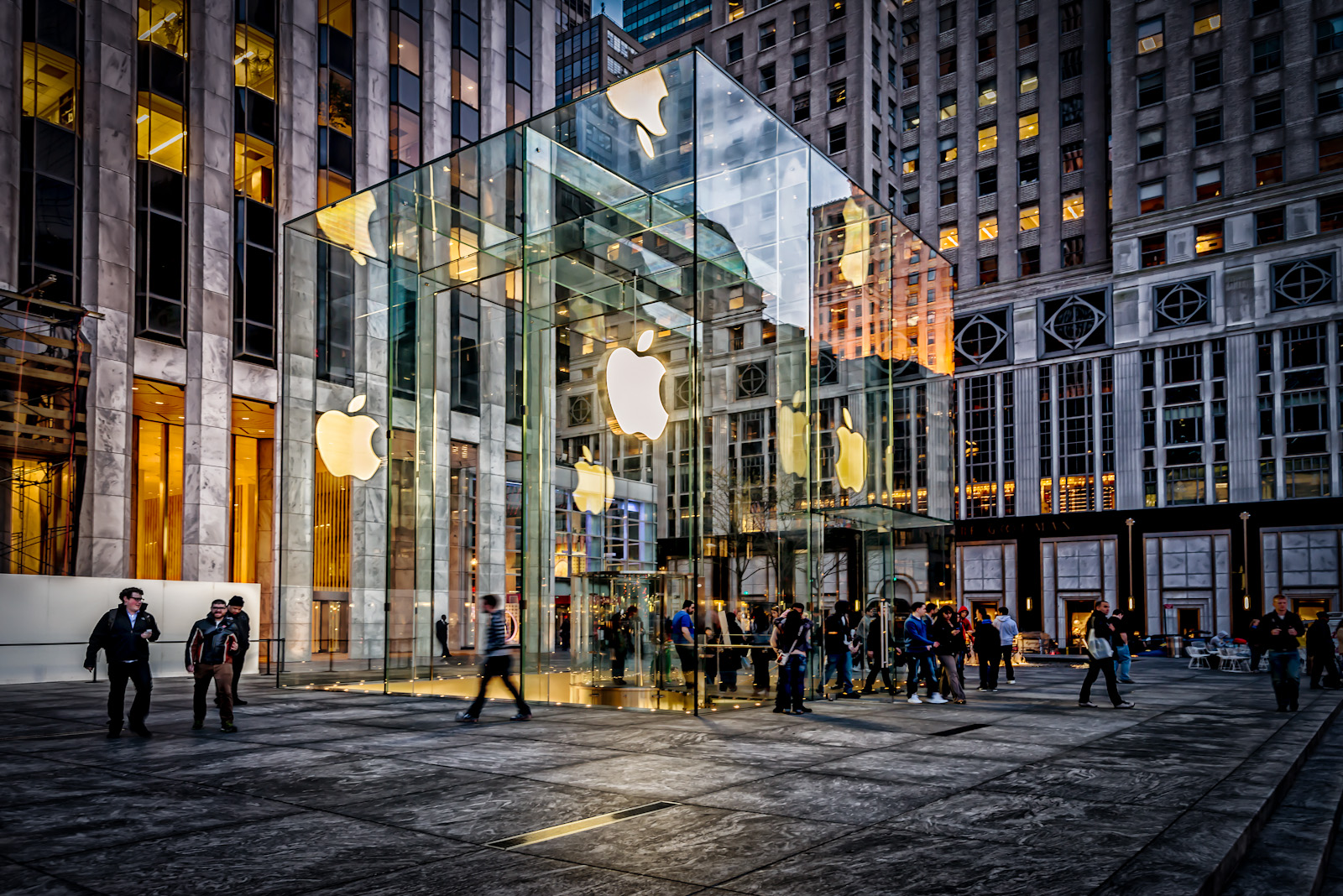 The Cube' – 5th Avenue Apple Store | Images and Notes | James Howe ...